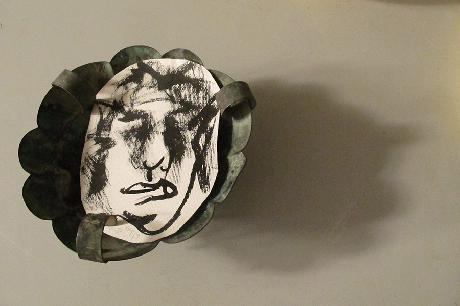 Early Israel Bowl Self-portrait, mixed media, 20 x 20 x 6 cm 2019, Heddy Abramowitz